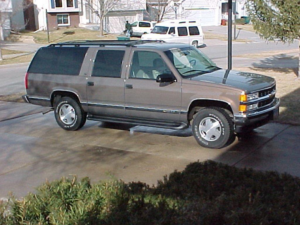 1997 Chevrolet Suburban Lt